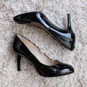 EUC Michael Kors black patent almond toe pumps